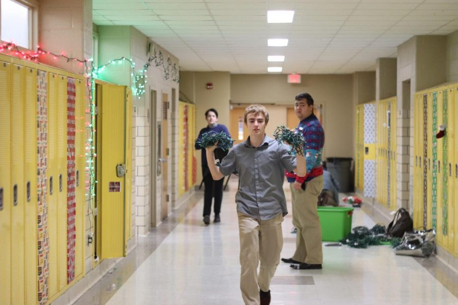 Seniors Unite Over New Christmas Traditions